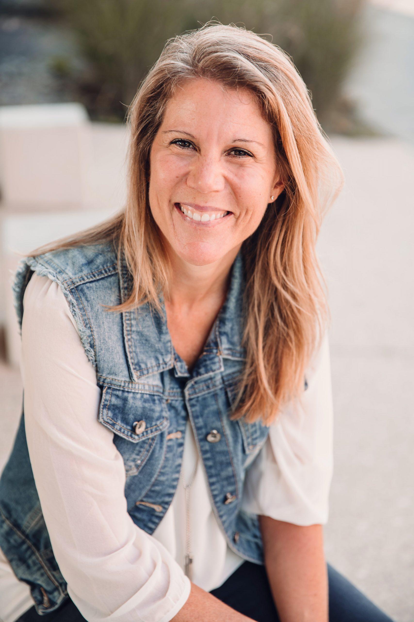 Episode 127 Gentle Marketing for Heart Centered Entrepreneurs w Sarah Santacroce